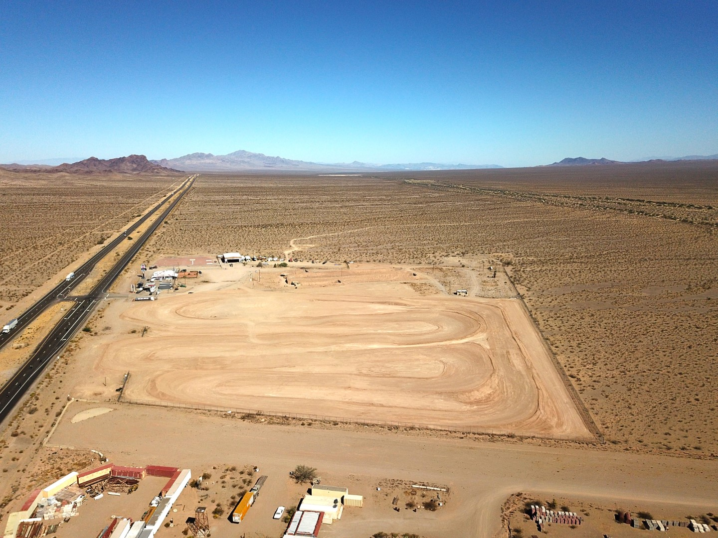 Las Vegas Off Road Experience - 1 Mile Pro Dirt Track