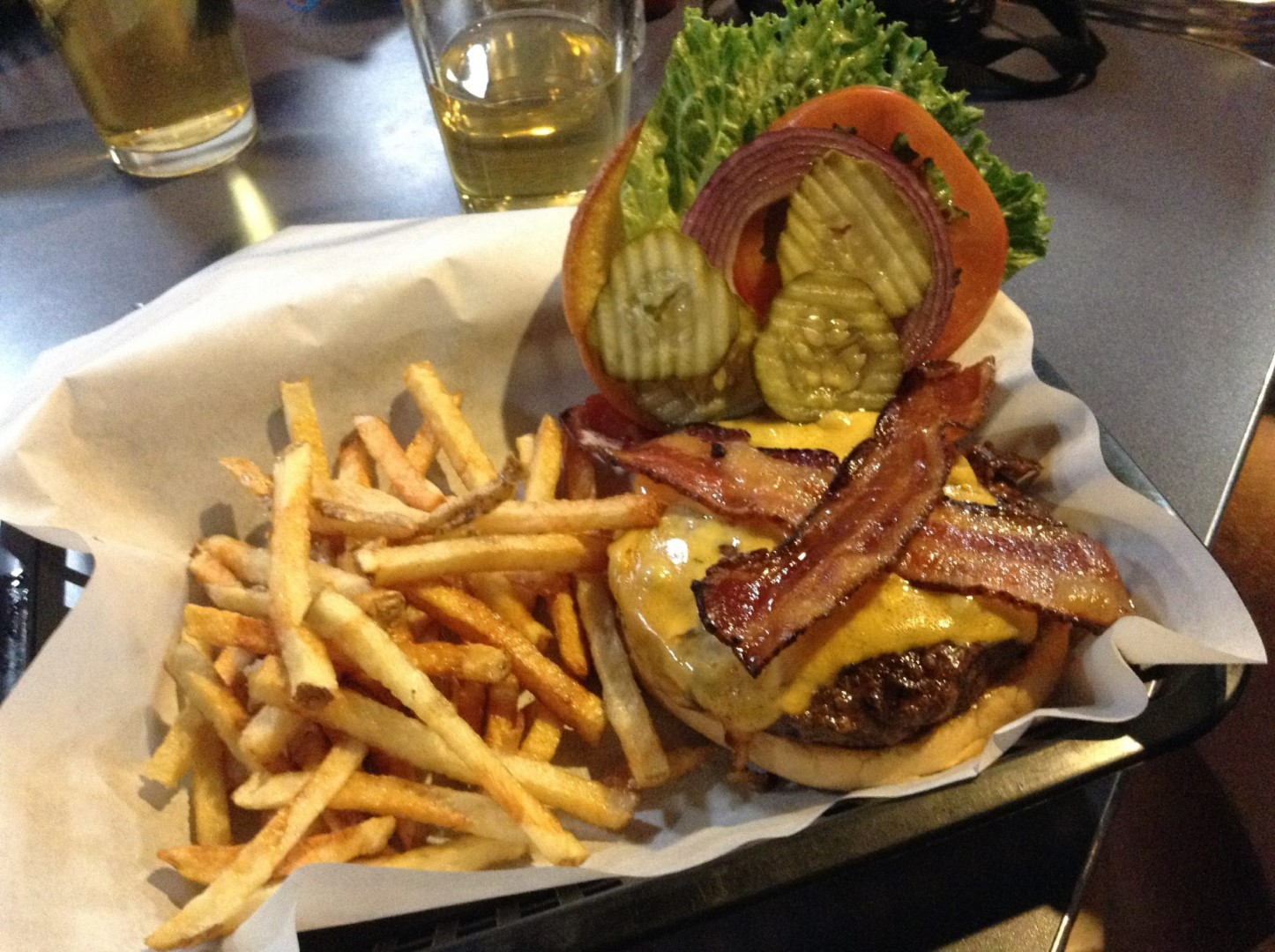 world-famous-burger-bullets-and-burgers